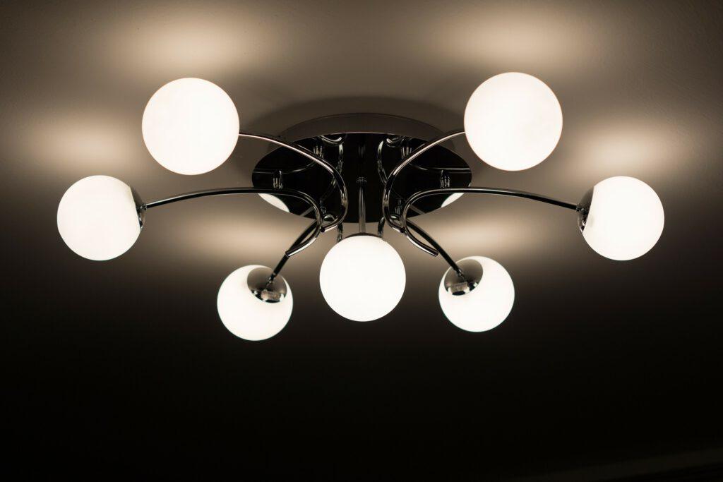מנורות קיר